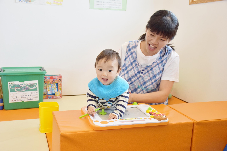 保育士による安心の託児サービス
